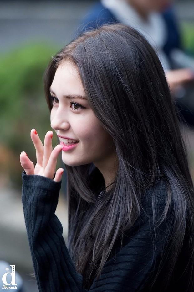 Góc nghiêng thần thánh của idol con lai Kpop: Nữ thần như Somi, Nancy có đọ được với Vernon, Samuel? - Ảnh 4.