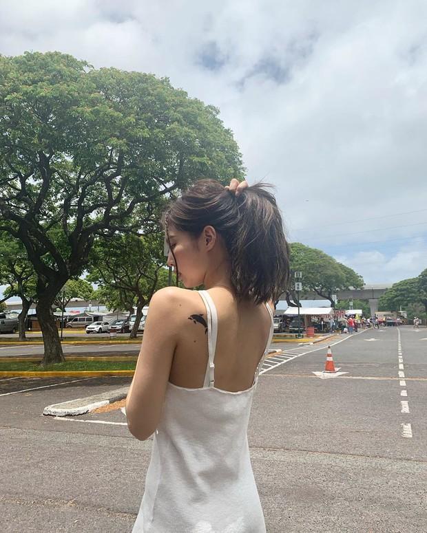 Sống ảo đỉnh như BLACKPINK tại Hawaii: Jennie và Lisa khoe body siêu nuột, Rosé đỉnh nhất mặc kệ ảnh ngược sáng - Ảnh 15.
