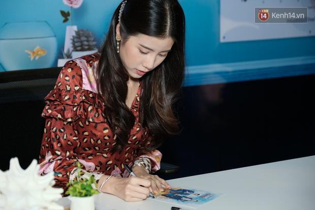 Jun Vũ diện đầm hở bạo chặt đẹp mỹ nhân Thái Esther kín cổng cao tường tại họp báo Thách Yêu 2 Năm - Ảnh 11.