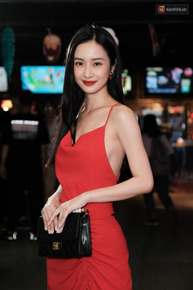 Jun Vũ diện đầm hở bạo chặt đẹp mỹ nhân Thái Esther kín cổng cao tường tại họp báo Thách Yêu 2 Năm - Ảnh 5.