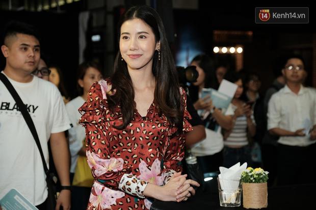 Jun Vũ diện đầm hở bạo chặt đẹp mỹ nhân Thái Esther kín cổng cao tường tại họp báo Thách Yêu 2 Năm - Ảnh 13.