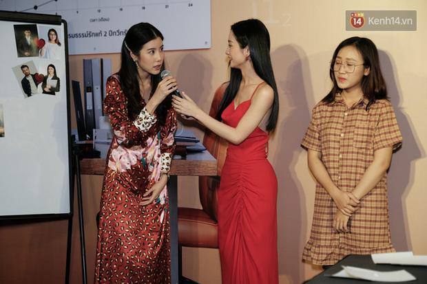 Jun Vũ diện đầm hở bạo chặt đẹp mỹ nhân Thái Esther kín cổng cao tường tại họp báo Thách Yêu 2 Năm - Ảnh 8.