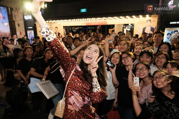 Jun Vũ diện đầm hở bạo chặt đẹp mỹ nhân Thái Esther kín cổng cao tường tại họp báo Thách Yêu 2 Năm - Ảnh 16.
