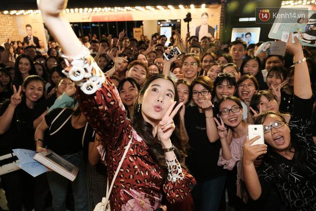 Jun Vũ diện đầm hở bạo chặt đẹp mỹ nhân Thái Esther kín cổng cao tường tại họp báo Thách Yêu 2 Năm - Ảnh 15.