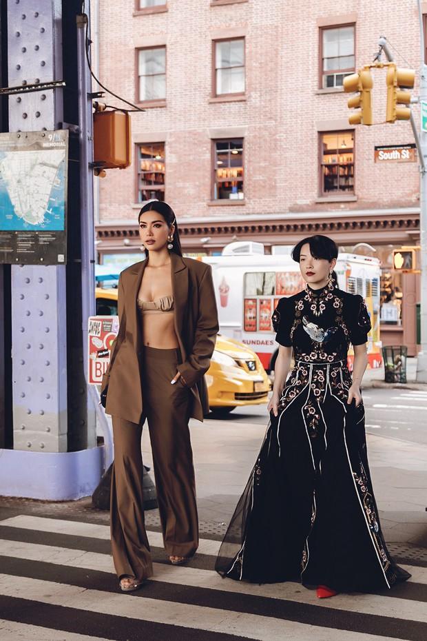 Minh Tú diện áo bé xíu khoe triệt để vòng một và cơ bụng nóng bỏng, tự tin sải bước tại kinh đô thời trang New York - Ảnh 1.