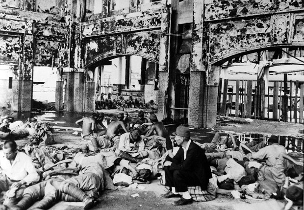 Ám ảnh cảnh trái ngược nhau ở Hiroshima trước và sau khi bị ném bom - Ảnh 11.