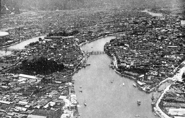 Ám ảnh cảnh trái ngược nhau ở Hiroshima trước và sau khi bị ném bom - Ảnh 4.