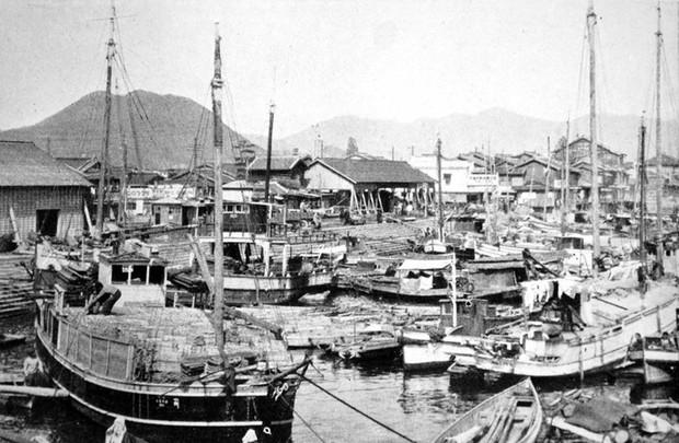 Ám ảnh cảnh trái ngược nhau ở Hiroshima trước và sau khi bị ném bom - Ảnh 6.