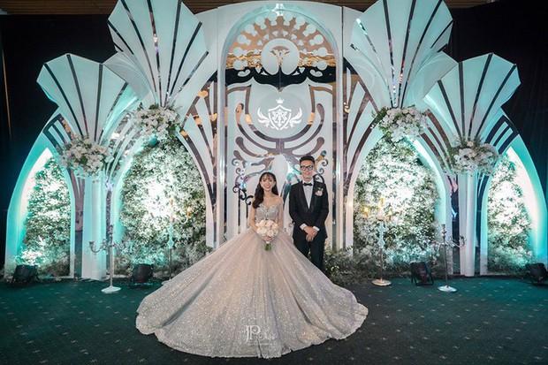 3 bộ váy cưới trị giá 700 triệu của ái nữ nhà Minh Nhựa: Áo dài có thể tiết kiệm nhưng váy cưới phải xa hoa bậc nhất - Ảnh 6.