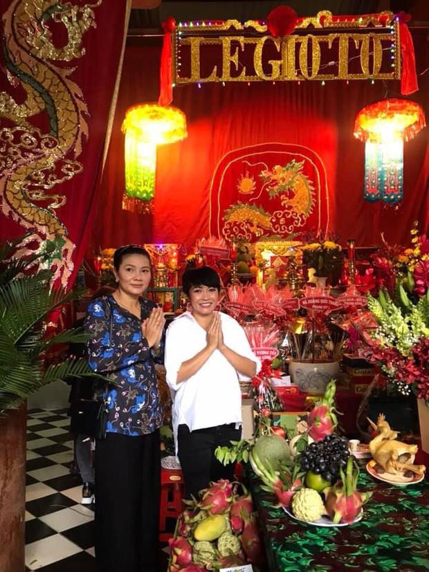 Loạt ca sĩ Việt nô nức trong ngày lễ giỗ Tổ ngành sân khấu - Ảnh 2.