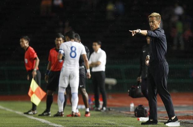 Xót xa nhìn huyền thoại bóng đá Nhật Bản xuống sắc trầm trọng sau vài tháng làm HLV đội tuyển Campuchia - Ảnh 4.