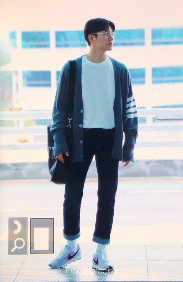 Ji Chang Wook quá bảnh, lộ góc nghiêng cực phẩm dù chật vật thoát khỏi biển fan đông đến nghẹt thở tại sân bay Tân Sơn Nhất - Ảnh 14.