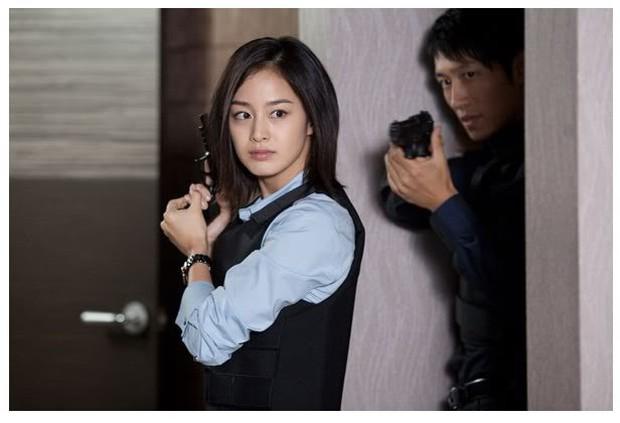 5 đả nữ xinh đẹp lạnh lùng trên phim Hàn: Kim Tae Hee võ công thâm hậu vẫn chưa bằng Soo Ae diệt địch trong phút mốt - Ảnh 1.