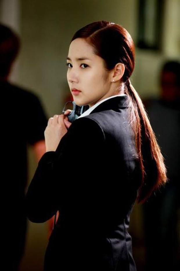 5 đả nữ xinh đẹp lạnh lùng trên phim Hàn: Kim Tae Hee võ công thâm hậu vẫn chưa bằng Soo Ae diệt địch trong phút mốt - Ảnh 12.