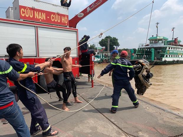 Hé lộ nguyên nhân nhà báo tử vong trên sông sau khi tìm được xe máy ở bến phà Cát Lái - Ảnh 1.