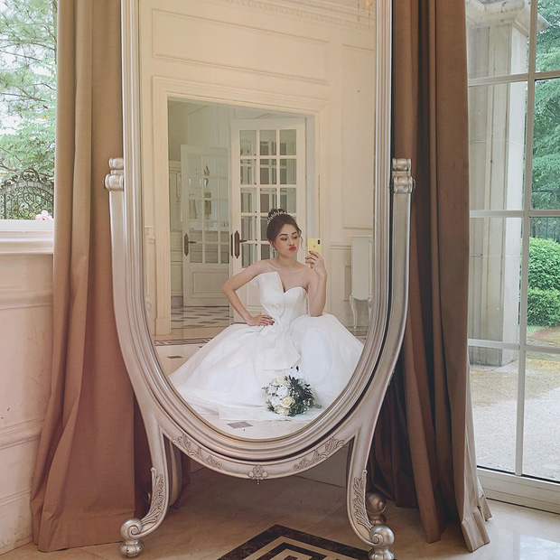 Phương Nga đăng ảnh diện váy cưới, fan lại hối thúc chuyện cưới xin với Bình An - Ảnh 1.
