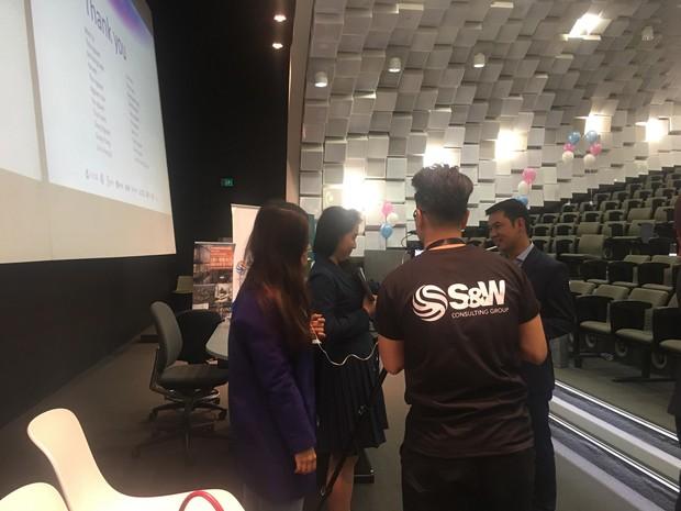 Học tiếng Anh qua video tin tức: Theo bạn, định nghĩa về sự thành công là gì? Và bất ngờ trước câu trả lời từ các diễn giả nổi tiếng ở Úc - Ảnh 8.