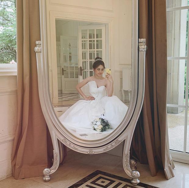 Phương Nga đăng ảnh diện váy cưới, fan lại hối thúc chuyện cưới xin với Bình An - Ảnh 2.
