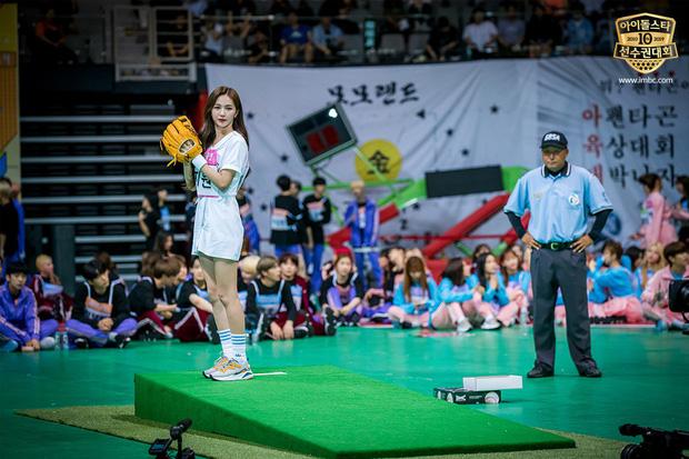 Không ngờ môn bóng chày tại đại hội thể thao Idol lại quy tụ toàn mỹ nhân Kpop! - Ảnh 14.