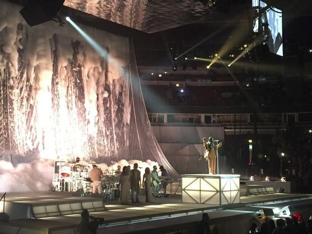 Fan xem mà fan tức á: Rihanna đầu tư mạnh tay cho show diễn thời trang gấp cả chục lần cho concert ca nhạc - Ảnh 4.