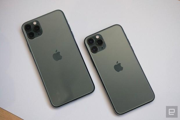 Cận cảnh iPhone 11 Pro và 11 Pro Max: Mặt lưng kính mờ, cụm camera lạ lẫm, không thực sự nhiều cải tiến - Ảnh 1.