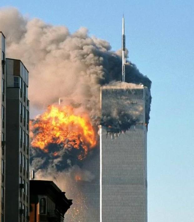 Nhìn lại những khoảnh khắc ám ảnh kinh hoàng trong vụ khủng bố 11/9 - Ảnh 12.