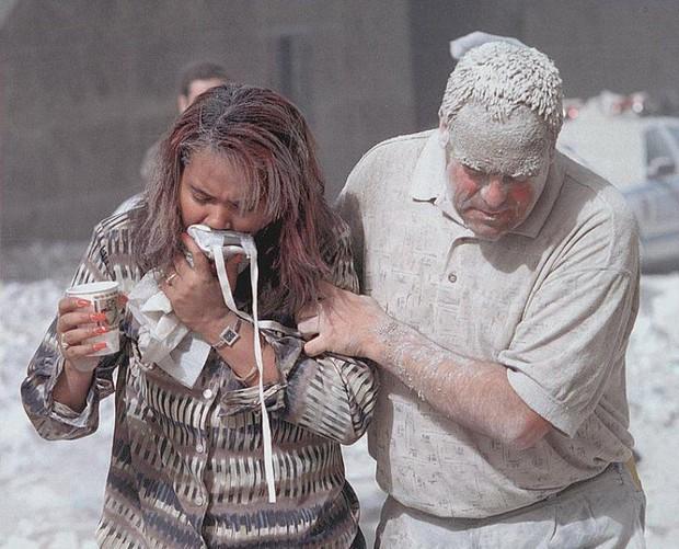 Nhìn lại những khoảnh khắc ám ảnh kinh hoàng trong vụ khủng bố 11/9 - Ảnh 14.