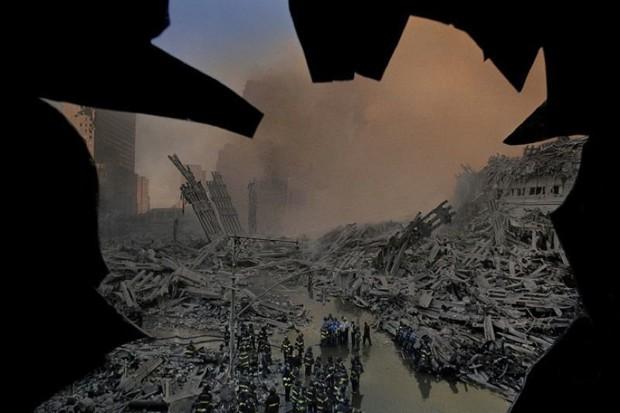 Nhìn lại những khoảnh khắc ám ảnh kinh hoàng trong vụ khủng bố 11/9 - Ảnh 18.
