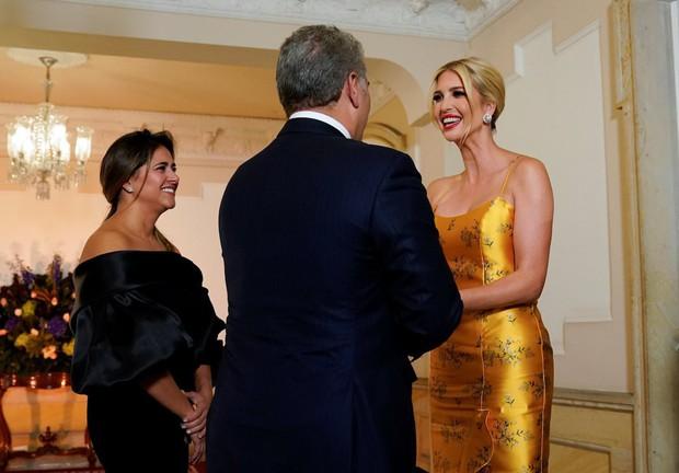 Ivanka Trump ngày một nhuận sắc, gợi cảm chết người trong chiếc váy hai dây sang chảnh, khiến đấng mày râu phải liếc nhìn - Ảnh 4.