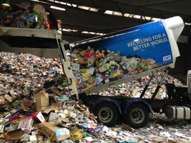 """""""Tỷ phú tái chế"""" Anthony Pratt: Đứa trẻ hư bước ra từ cái bóng của cha, trở thành đại gia thành công nhất ngành tái chế - bao bì, anh hùng từ thiện của nước Úc - Ảnh 4."""
