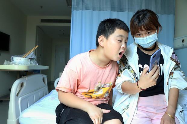 Tăng 18kg trong 3 tháng, cậu bé phấn đấu được béo phì chỉ để làm một việc khiến cả châu Á rơi nước mắt xúc động - Ảnh 5.