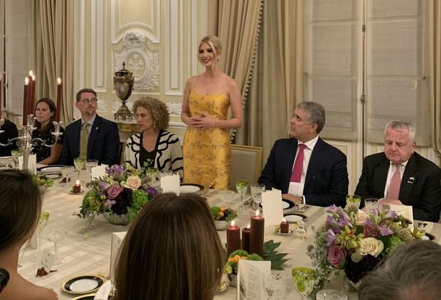Ivanka Trump ngày một nhuận sắc, gợi cảm chết người trong chiếc váy hai dây sang chảnh, khiến đấng mày râu phải liếc nhìn - Ảnh 6.