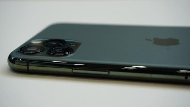 """iPhone 11 Pro """"xanh bóng đêm"""" liệu có gây sốt như iPhone """"vàng hồng"""" trước đây? - Ảnh 9."""