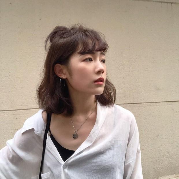 4 kiểu tóc nhanh gọn cứu vớt nhan sắc của chị em trong ngày mưa nắng thất thường - Ảnh 8.