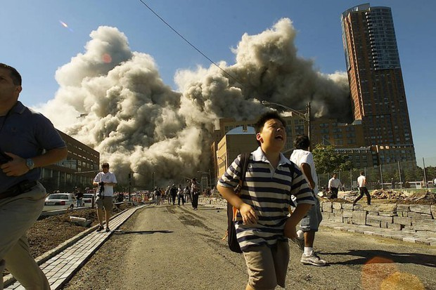 Nhìn lại những khoảnh khắc ám ảnh kinh hoàng trong vụ khủng bố 11/9 - Ảnh 10.