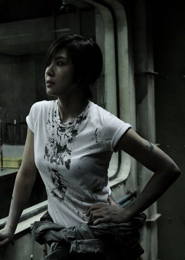 5 đả nữ xinh đẹp lạnh lùng trên phim Hàn: Kim Tae Hee võ công thâm hậu vẫn chưa bằng Soo Ae diệt địch trong phút mốt - Ảnh 7.