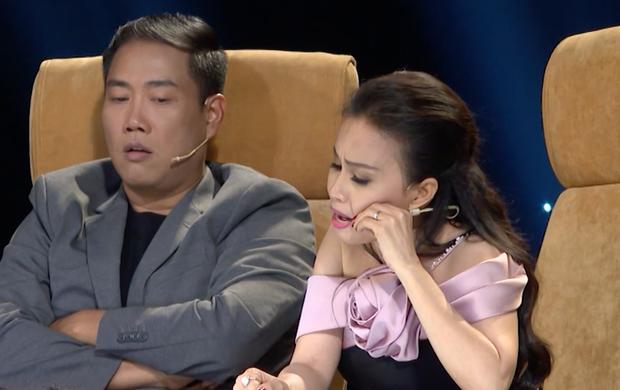 Cặp đôi vàng: Thiện Nhân khóc ngon lành trên sân khấu, khiến giám khảo rơi nước mắt theo - Ảnh 8.