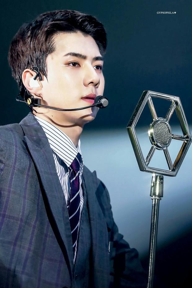 Hội em út vàng tài năng và quyền lực nhất Kpop: Tuổi trẻ tài cao, nhan sắc vạn người mê và sở hữu lượng fan hùng hậu - Ảnh 5.