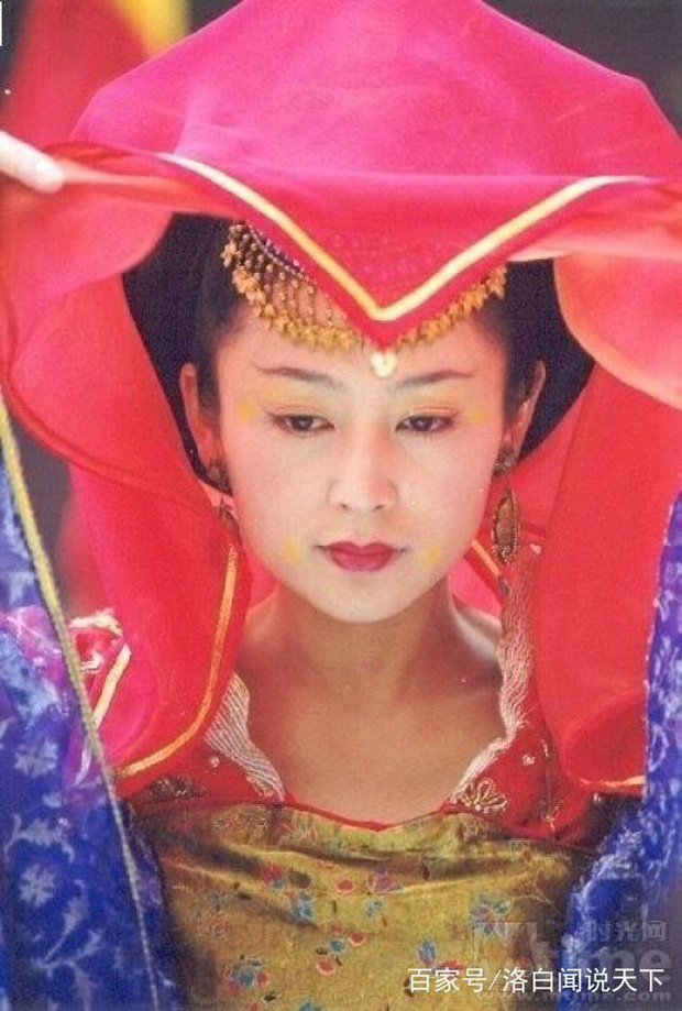 Trần Hồng: Nàng Điêu Thuyền đẹp hơn cả Vương Tổ Hiền, khiến netizen Hàn phải mê mẩn đến mức phong Đệ nhất mỹ nhân Cbiz - Ảnh 13.