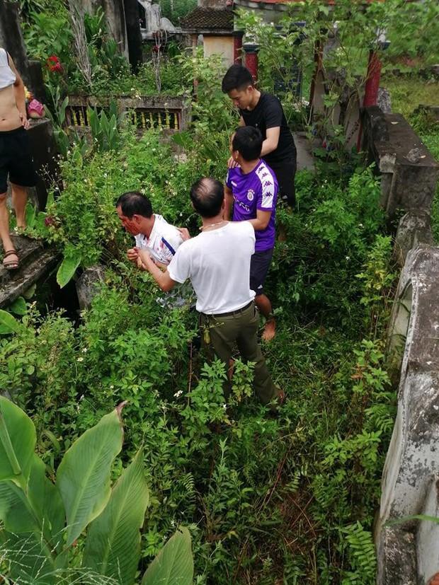 Gã đàn ông nghi bắt cóc bé gái ở Hà Nội đã vào nhà lục tài sản trước khi bị bắt, từng có 3 tiền án - Ảnh 1.