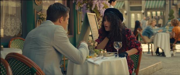 Bỏ mặc Shawn Mendes, Camila Cabello đưa đẩy cùng lúc cả 2 trai đẹp trong MV mới nhưng hóa ra lại là nữ phụ đam mĩ? - Ảnh 2.