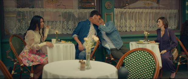 Bỏ mặc Shawn Mendes, Camila Cabello đưa đẩy cùng lúc cả 2 trai đẹp trong MV mới nhưng hóa ra lại là nữ phụ đam mĩ? - Ảnh 7.