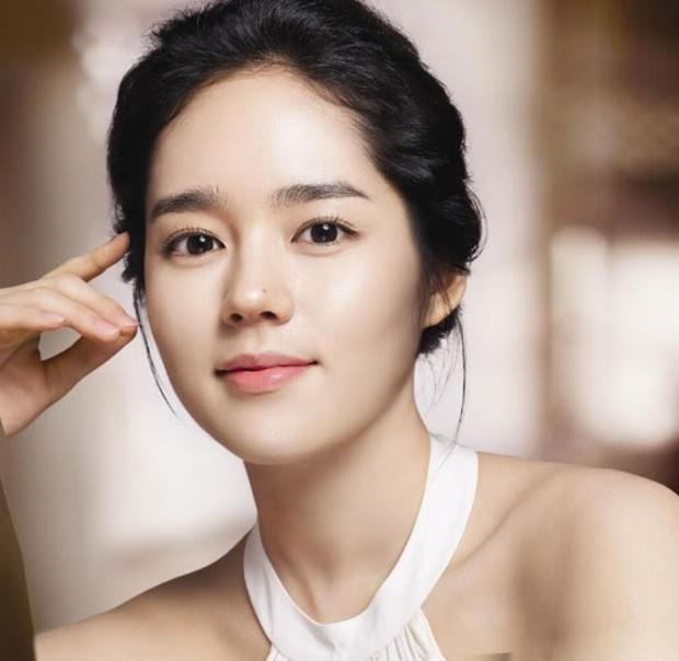 Lâu rồi Suzy mới gây sốt với nhan sắc cận cảnh đỉnh cao thế này, nhưng lại gây tranh cãi khi đặt cạnh Han Ga In - Ảnh 10.