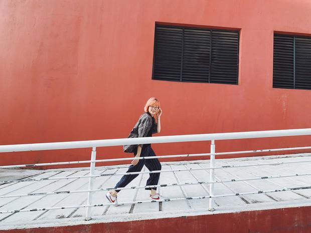 Bức tường xanh đỏ được check in ầm ĩ bao lâu nay: tưởng đâu xa, hoá ra cách Hà Nội có 2 tiếng đi xe, ai đến cũng ghé thăm bằng được - Ảnh 4.