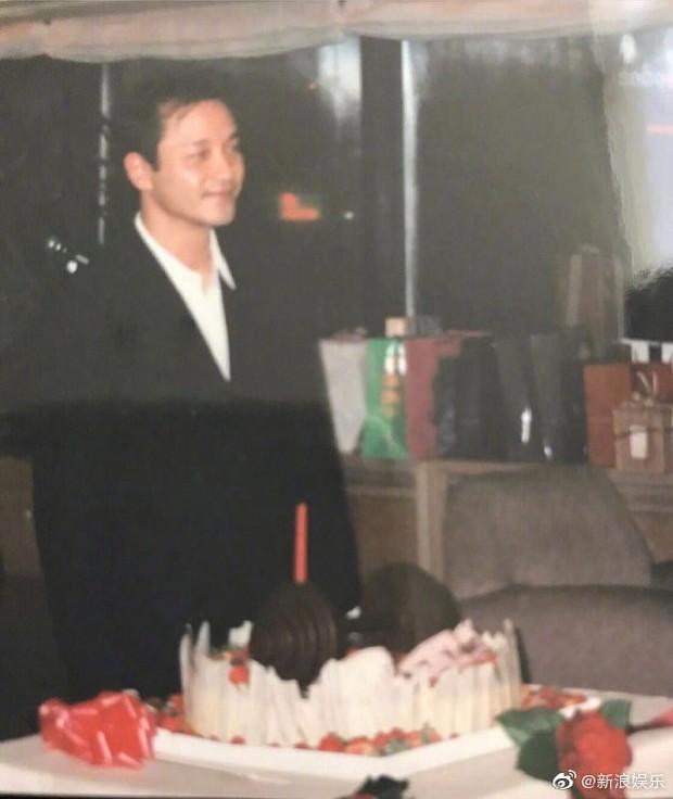 16 năm rồi, Đường Hạc Đức vẫn đúng 0h gửi lời chúc mừng sinh nhật tới Trương Quốc Vinh: Mong người mỗi đêm luôn ở đây - Ảnh 2.