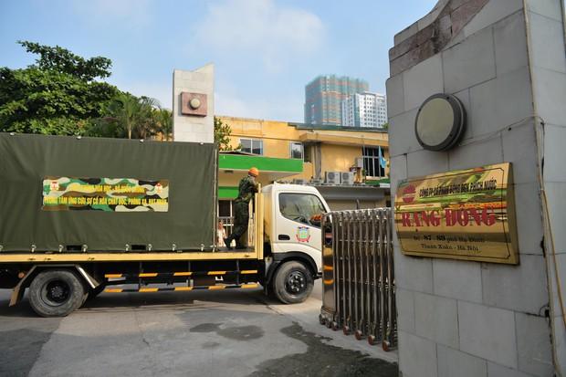 Binh chủng Hóa học tiến hành tẩy độc nhà xưởng Công ty Rạng Đông sau vụ cháy kinh hoàng - Ảnh 5.