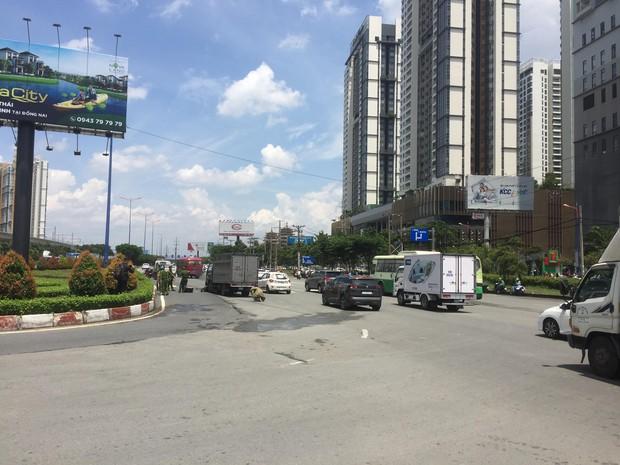 TP.HCM: Va chạm với xe tải, người phụ nữ bị văng xa nhiều mét tử vong tại chỗ - Ảnh 1.