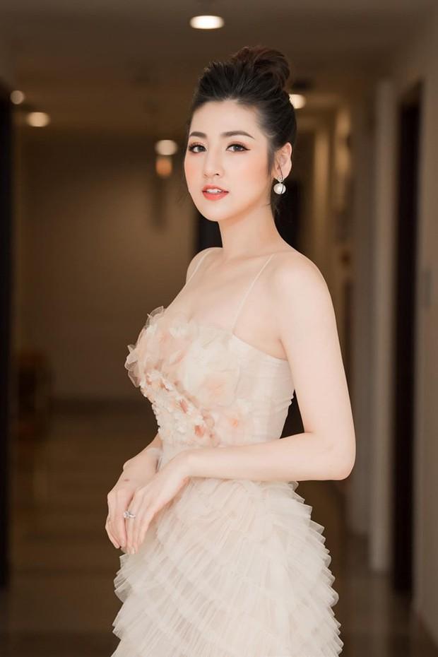 Sao Vbiz đình đám sẵn sàng đổ bộ thảm đỏ ra mắt MXH Lotus: Từ dàn Hoa hậu đến hàng loạt tên tuổi gây sốt đều lộ diện! - Ảnh 6.