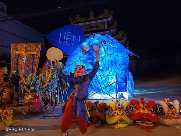 Những chiếc đèn lồng siêu to khổng lồ với muôn vàn biểu cảm hài hước trong dịp Trung thu khiến nhiều người bật cười ngặt nghẽo - Ảnh 1.