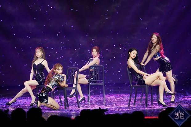 5 phút sexy nghẹt thở khi diễn lại hit cũ, AOA dễ dàng thâu tóm Top 1 trending Naver - Ảnh 4.